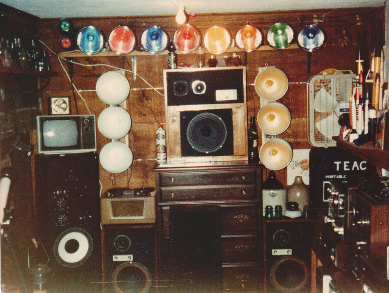 A 1970 S Teenager S Bedroom Vintage Stereo Equipment
